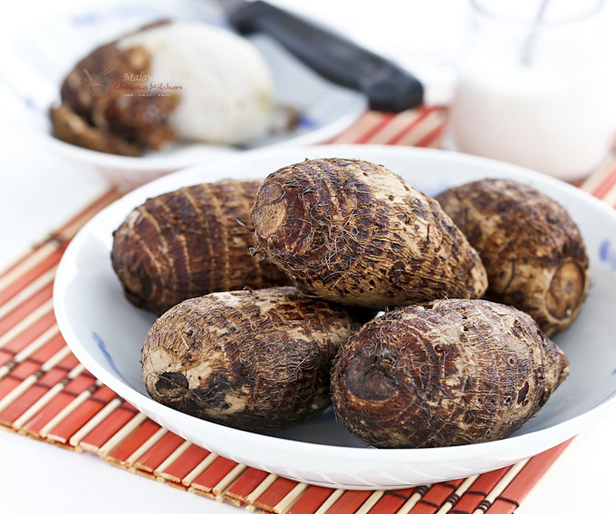 Boiled Baby Taro - an easy snack and a traditional food for the Mooncake Festival. Delicious eaten with a little salt or sugar. | MalaysianChineseKitchen.com