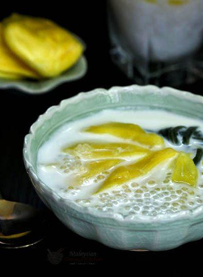 Jackfruit Sago Dessert, a Southeast Asian sweet soup consisting of nangka (jackfruit) and sago in a fragrant coconut sauce. Delicious served warm or cold. | MalaysianChineseKitchen.com #nangka #jackfruit #sago