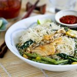 Kiam Hu Beehoon (Fried Rice Noodles with Salted Fish)
