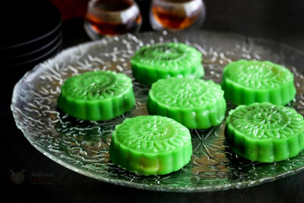 No more raw or hardened snowskin mooncakes. Make these soft, fully cooked, not your usual Pandan Snowskin Mooncakes. Also a rehash if you have leftovers.| MalaysianChineseKitchen.com