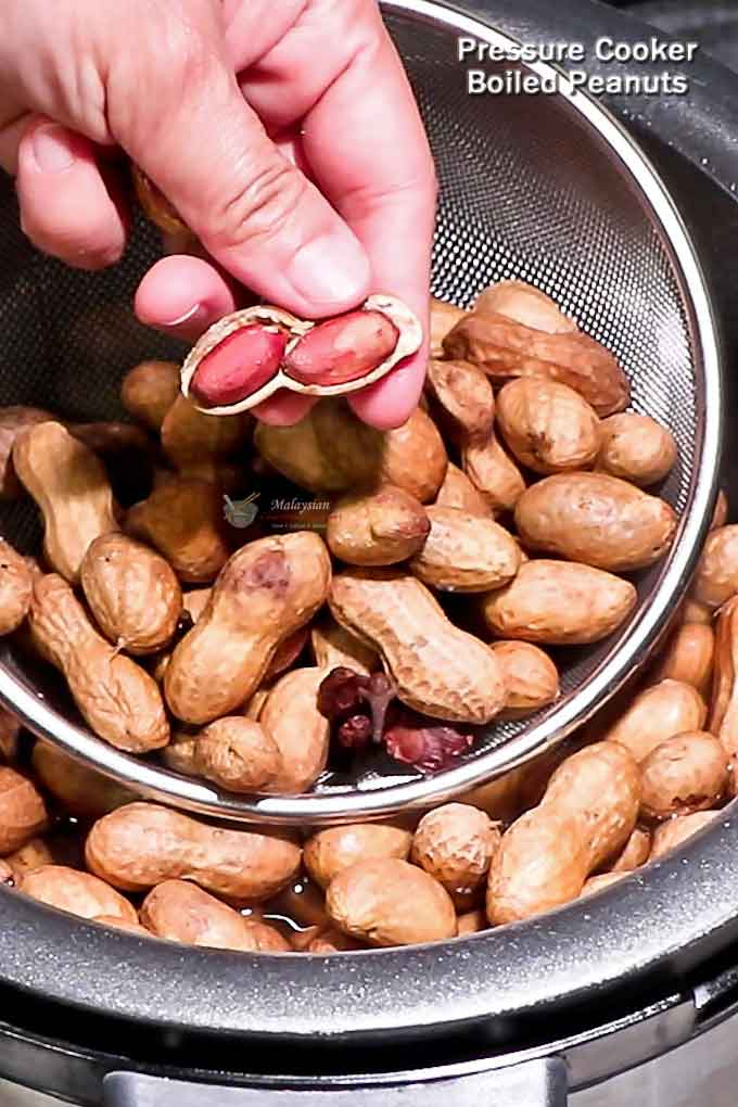 These soft, moist, and salty Pressure Cooker Boiled Peanuts make a delicious snack any time of the day or year. Super easy to prepare. | MalaysianChineseKitchen.com