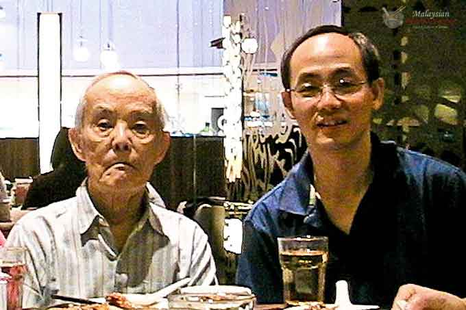 Papa - Remembrance of My Father is a tribute to my beloved father who was not in the kitchen but through self sacrifice ensured a good and stable home. | MalaysianChineseKitchen.com