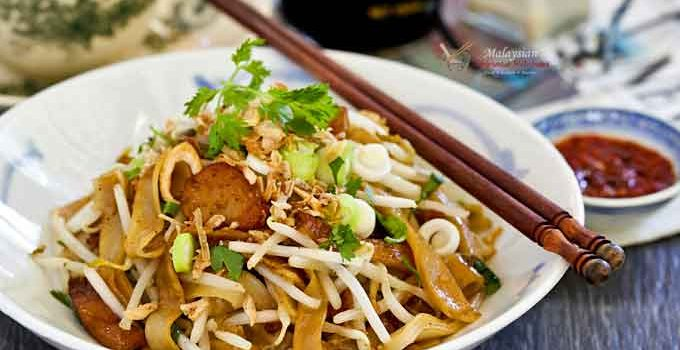 This one-pan Homestyle Char Koay Teow with fish cakes and bean sprouts is perfect for a crowd. A time saver and very tasty indeed!   MalaysianChineseKitchen.com