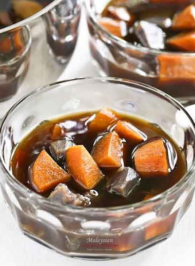 Sweet Potatoes in Gula Melaka Syrup is a twist on a sweet soup dessert using palm sugar instead of regular sugar syrup. Simple, fragrant, and delicious. | MalaysianChineseKitchen.com