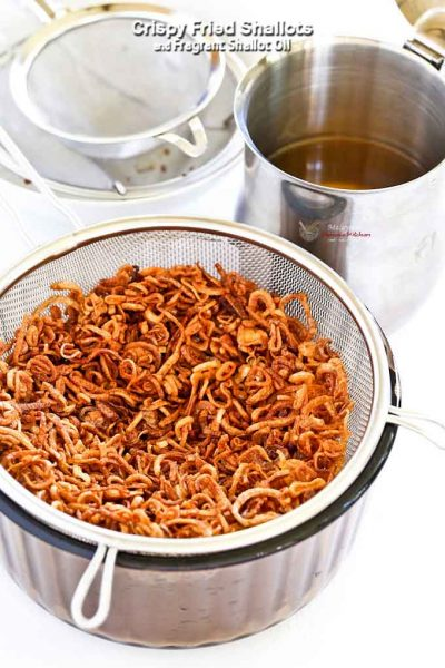 Color is more important when making Crispy Fried Shallots.