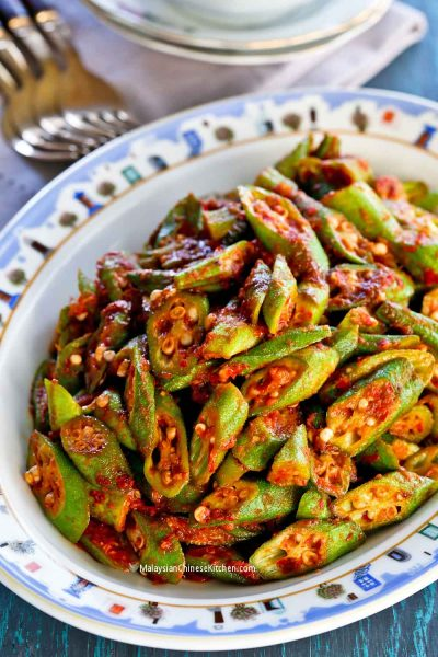 This spicy delicious Bendi Goreng Belacan (Okra Belacan Stir Fry) is best eaten with lots of steamed rice.
