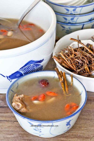 Nutritious Peanut Root Soup (Thor Tau Kin Th'ng)