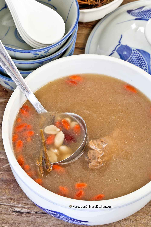 Nutritious Peanut Root Soup (Thor Tau Kin Th'ng / Fah Sung Kan Tong)